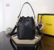 人気セール100%新品 フェンディ FENDI 贈り物に2019年度 ハンドバッグ 3色可選 主役級アイテム