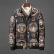 人気セール格安暖かさ型崩れにくいスタンダードダウンジャケットファッションVERSACEヴェルサーチ スーパー コピー