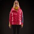 極寒の地でも耐えうる圧倒的な防寒性 モンクレール スリムなシルエットデザイン 19FW保温性に優れるものに MONCLER ライトダウンジャケット