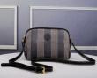 数量限定安い通販 FENDI ミニバッグ偽物 高い人気を誇るブランド新作  フェンディコピーバッグ 今季話題の一級品