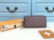 完売必至の人気モデルをご紹介 ルイ ヴィトン 暖かさと軽い着心地を両立させている LOUIS VUITTON 財布/ウォレット 冬のスタイルの幅が広がりそう